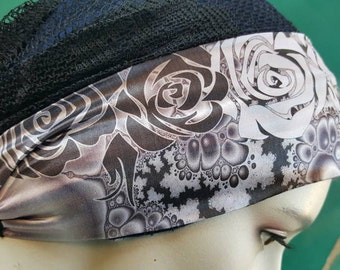 One of a kind headband, only one made. Designed with to colors, black and white inbetween gradients.