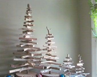 arbre de no l de bois flott d cor de vacances de bois. Black Bedroom Furniture Sets. Home Design Ideas