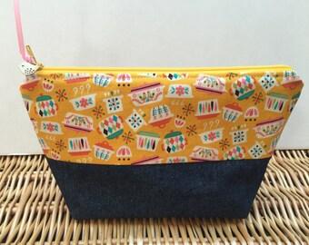 Retro Kitchen Print Make up Bag, Cosmetic Bag, Craft Project bag