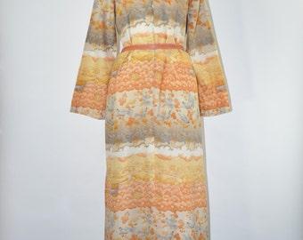 60s bird print maxi dress / 1960s Asian long dress / long sleeve lounging dress