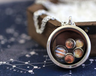 Jupiter, Jupiter Necklace, Jupiter Moons, Galilean Moon, Jupiter and Moons Necklace, Jupiter, Europa, Callisto, Ganymede, Io, Jupiter and Io