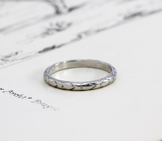 Art Deco Platinum Wedding Band Vintage Ring Carved Arrow