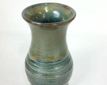 Two-Toned Green Single-Flower Vase