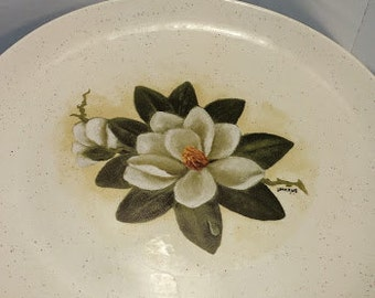 """9-1/2"""" Plate with Magnolia Blossom Decal"""