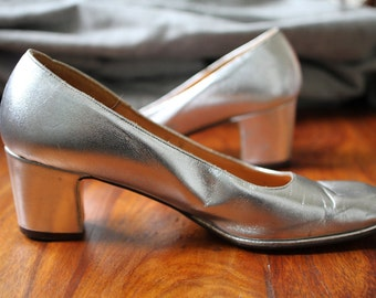 Palm Springs 1960s Silver Pumps