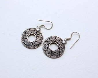 Filigree oxidized round dangle earrings in Sterling Silver
