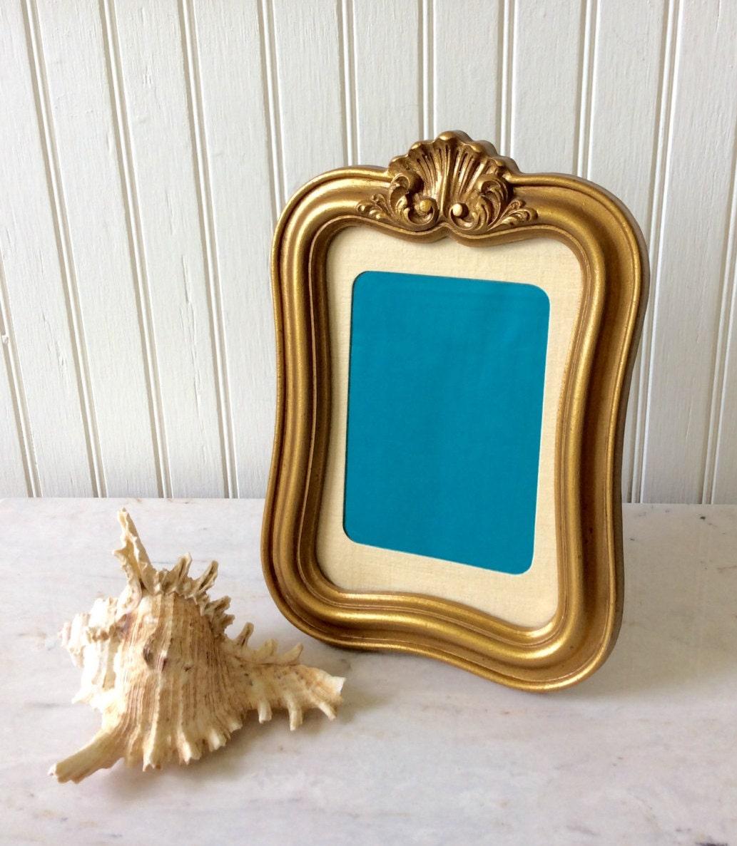 vintage gold ornate 5 x 7 picture frame shell design. Black Bedroom Furniture Sets. Home Design Ideas