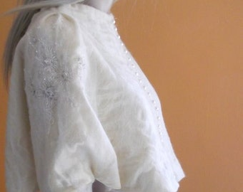 cape bride,  tippet,felted shawl with cuffs