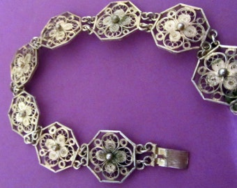 vintage Italian continental silver flower cuff linked bracelet, silver flower linked bracelet, Italian silver filigree bracelet
