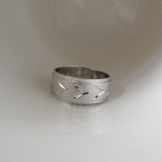 NOS Chevron Wedding Band V Wedding Band Cheap Wedding Rings