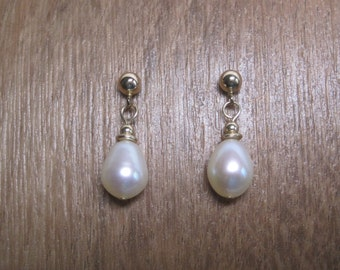 Vintage Pearl Dangle Earrings 14K Gold Filled