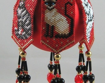 Trio of Cats Beaded Ornament