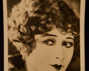 Original 1930's Anna Q Nilsson British Cigarette Card