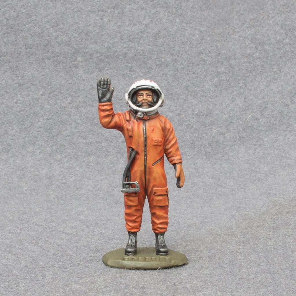 Astronaut Figurine Etsy - Astronaut decorations