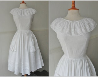 Beautiful 60s Vintage Broderie Anglaise Dress // Size 38