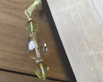 Chic Crystal Bookmark - Green - saves 4 pages at a time!