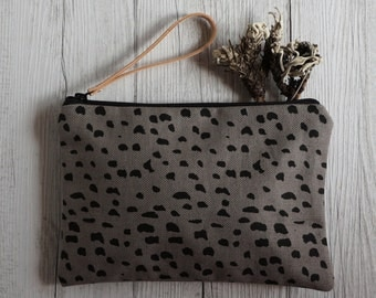Bag small fabric wrist handprinted, drawing new grey pebbles
