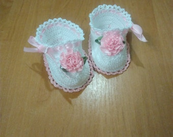 Crochet Baby Booties, White booties, Baby Shoes, Baby Booties, Crochet Baby Booties New born gift, Gift for baby, gift for the goddaughter