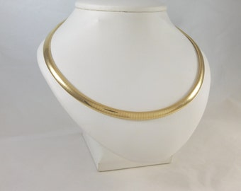 """Beautiful 14kt Yellow Gold 6mm Omega 16"""" Domed Necklace"""