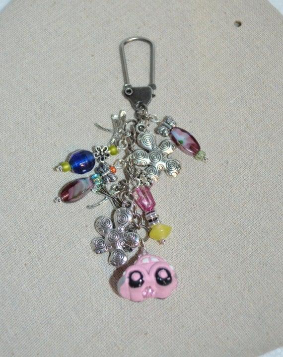 Keychain VW Beetle Swivel Clip, VW Bug Keychain, Volkswagen Bugs N Flower Keychain, Hippie Flowers & VW Keychain, Volkswagen Beetle Bag Clip