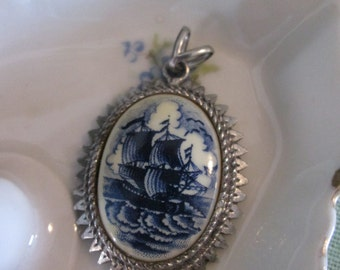 Porcelain Pendant by Exquisite