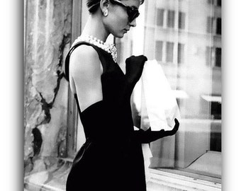 Audrey Hepburn Holly Golightly Breakfast at Tiffany's  Canvas Art Print A1 A2 A3 A4