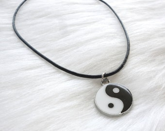 Yin and Yang Choker Necklace - Yin and Yang Necklace - Yin and Yang Symbol - Black Choker - Leather Choker - 90s Grunge - Charm Choker