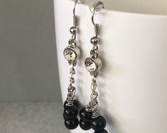 Black dangle earrings, beaded earrings, black bead earrings, black earrings, black drop earrings, earrings black, black beaded earrings