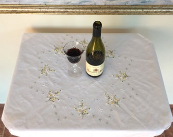80 x 84cm Vintage tablecloth with nice embroidery  - The Prague embroidery - Floral embroidery tablecloth