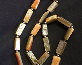 Vintage Pearlescent Shell Necklace Mother Of Pearl Stone Necklace