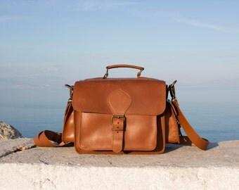 Camera Bag, Leather DSLR camera bag, plus padded insert - Tobacco color, Dslr Handmade Leather shoulder bag