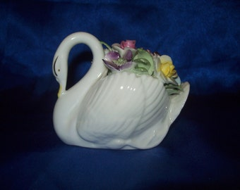 Royal Doulton Fine Bone China Swan Posy