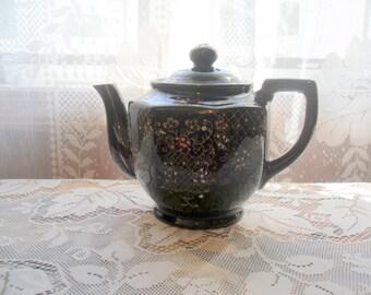 Vintage Handpainted Teapot/ Made in Japan
