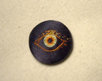 Hand Embroidered Pin/Brooch - EYE 1