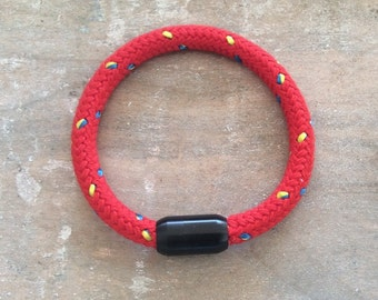 Maritim Mr sailing rope red with black magnetic bracelet
