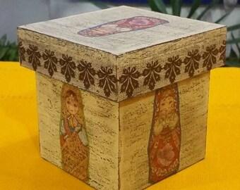 Box matryoshka doll