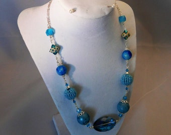Beaded Necklace in Brilliant Blues!