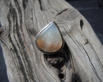 Vintage Sterling Silver Mother Of Pearl Large Droplet Ring 12.9 Grams Size 6