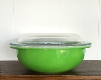 Pyrex 024 green covered casserole