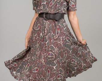 SALE-20% OFF-Vintage Floral Paisley Dress (Size Medium)
