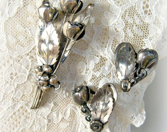 1940s Hobé STERLING silver jewelry set / floral bouquet, hearts / demi-parure screw back earrings and brooch, SIGNED