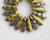 50 Matte Yellow/Gray Peacock 5x15mm Czech Glass Dagger Beads
