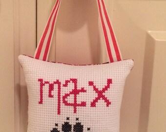 Max Hanging Pillow