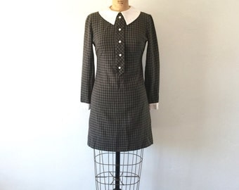 1960s Mod Mini Dress Brown White Checkered Peter Pan Collar Vintage Dress XS