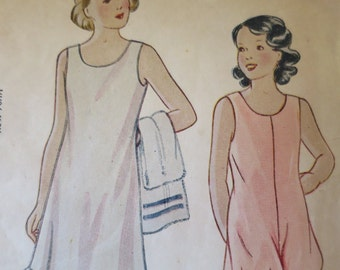 Vintage Girls Sewing Pattern Undergarments Full Slip w/ Ruffle Bloomers w/ Back Buttons 1930s Size 4 Vintage Sewing Pattern Underwear