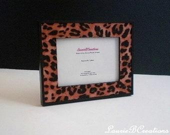 ANIMAL PRINT(CHEETAH) Picture Frame - Black frame w/ cheetah print eco felt - 5 x 7