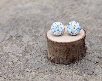 Fabric Button Earrings // Blue Flower // Vintage Earrings // Floral Fabric Studs // Covered Buttons // Geometric Earrings