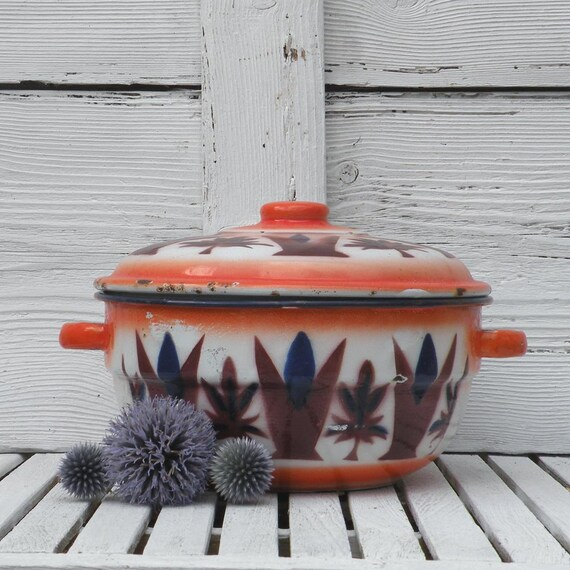 French vintage enamel casserole dish, shabby chic, country home, vintage kitchen, French vintage enamelware, cottage chic, colorful