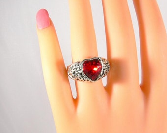 Heart ring, vintage ring, statement ring, Solitaire ring, antique silver, heart Crystal, Crystal ring, color stone ring, rose, red, pink, gift