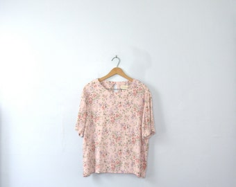 Vintage 80's pastel pink blouse with roses, size medium